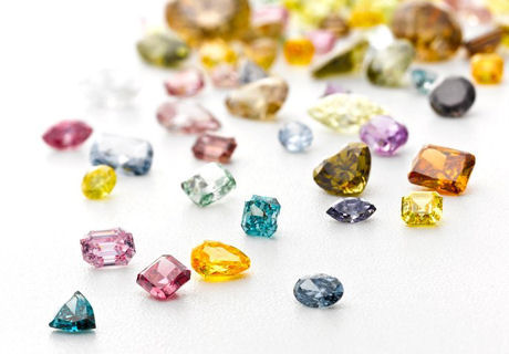 ダイヤモンドの色の種類は何種類ある!?