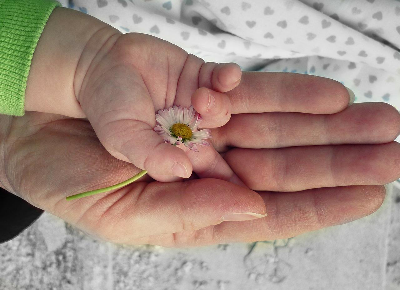 大切な人を亡くした時の喪失感と向き合う方法