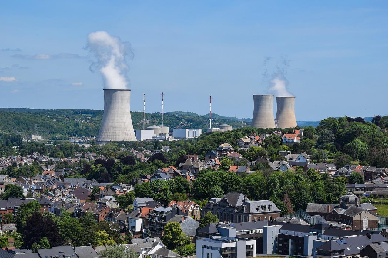 核融合発電って何なの?人類は「人口の太陽」を手にする!?